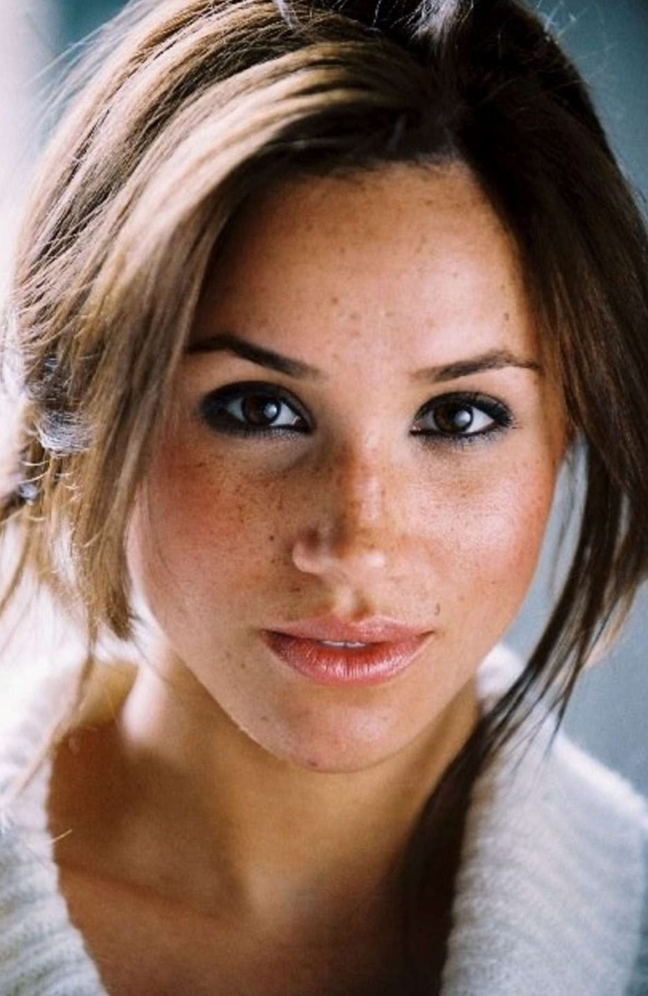meghan markle, meghan markle natural makeup, faux freckles, how to get fake freckles, natural makeup, natural beauty, perth s best makeup artist, perth makeup artist, alondra for makeup, red head makeup, makeup salon perth, mobile makeup artist perth, alondra for makeup